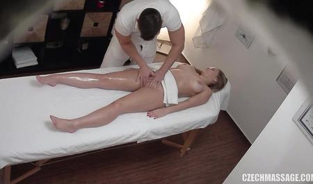 Смотреть порно массаж в чехии
