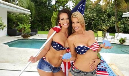 Две американские девицы занимаются лесбийским сексом в выходной день