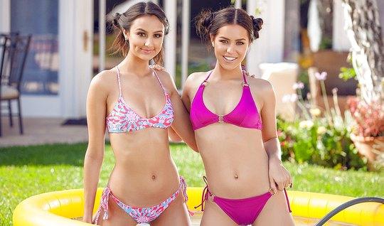 Две молодые лесбиянки с темными волосами дрочат друг другу пизду